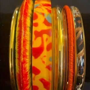 NWT SET OF 6 BANGLES ⭕️ YOU ARE GOING TO LOVE ❤️